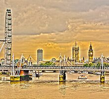 The HDR view from the Waterloo Bridge by vibzart