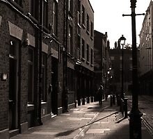 Dublin street in the early morning by Esther  Moliné