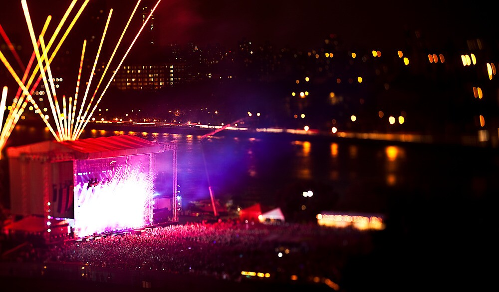 Electric Zoo 1. by Dustin Kukuk