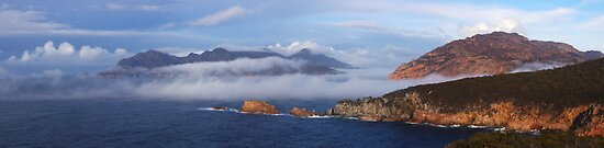 Thorin Bay  Pano by Kip Nunn