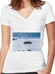 landscape lake Women's Fitted V-Neck T-Shirt