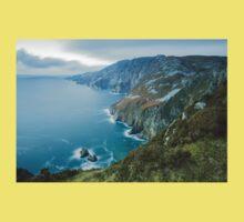 Slieve League sea cliffs in Co. Donegal Kids Tee