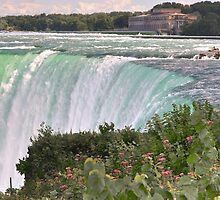 Niagara up close & personal by Poete100