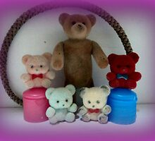 Teddy and his baby brothers... by mariatheresa