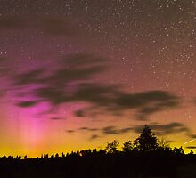 Northern Lights and Meteor by cavaroc