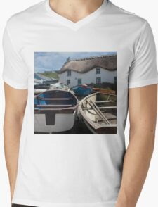 Tinker Taylor Cottage Sennen Cove Cornwall Mens V-Neck T-Shirt