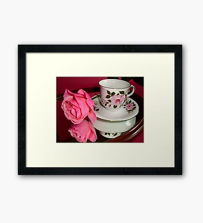 ROSE-CUP Framed Print