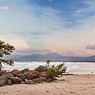 Windy 4mile Beach by ea-photos