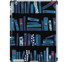 Keep Reading. Black. iPad Case/Skin