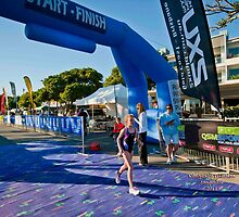 Kingscliff Triathlon 2011 Finish line B5904 by Gavin Lardner