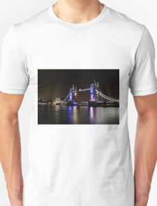 Tower Bridge, London night Unisex T-Shirt