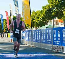 Kingscliff Triathlon 2011 Finish line B5990 by Gavin Lardner