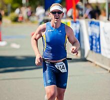Kingscliff Triathlon 2011 Finish line B6276 by Gavin Lardner