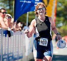 Kingscliff Triathlon 2011 finish line B6444 by Gavin Lardner