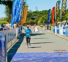 Kingscliff Triathlon 2011 finish line B6607 by Gavin Lardner