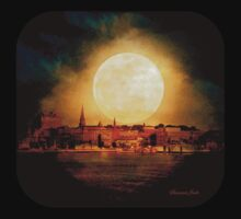 Fire Moon over New London-on-Thames One Piece - Short Sleeve