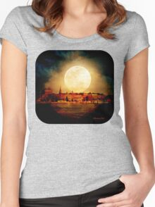 Fire Moon over New London-on-Thames Women's Fitted Scoop T-Shirt
