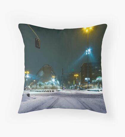 snow fall night scene Throw Pillow