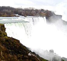 Extravagant - Niagara Falls by MalinRawl