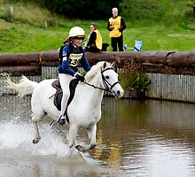Anna & Wispa at Burgie into the water by photobymdavey