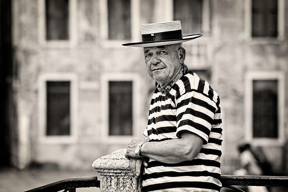 Waiting Gondolier by vividpeach