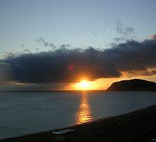 Sunrise  by lezvee