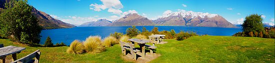 Lake Wakatipu - Central Otago - New Zealand by Paul Davis