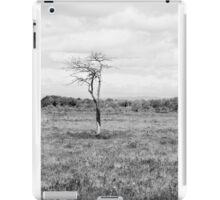 Lonely Tree Black & White iPad Case/Skin