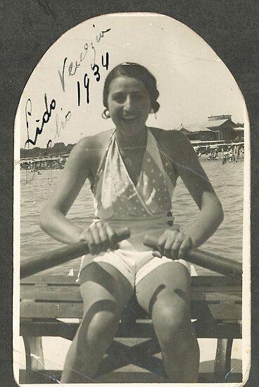 LA ZIA ANGELA AL LIDO DI VENEZIA - ITALIA  1934- 3000 VISUALIZZAZ.MAGGIO 2013  -  &  FEATURED RB EXPLORE 10 OTTOBRE 2011 ---. by Guendalyn