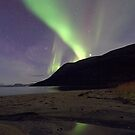 Aurora Borealis on the beach by Frank Olsen