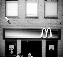 Leiden, McDonald's Restaurant in Beestenmarkt by Giulio Menna