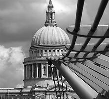 St Paul's, London by Cara Gallardo Weil