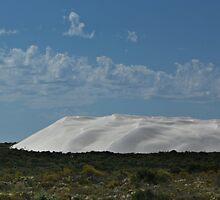 It's snowing at Uluru by myraj