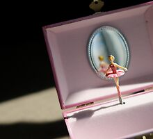 She lives for the moments when the music box plays... by laruecherie