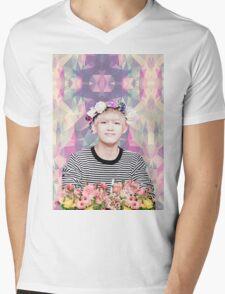 BTS/Bangtan Sonyeondan - Flower Boy Kim Taehyung Mens V-Neck T-Shirt