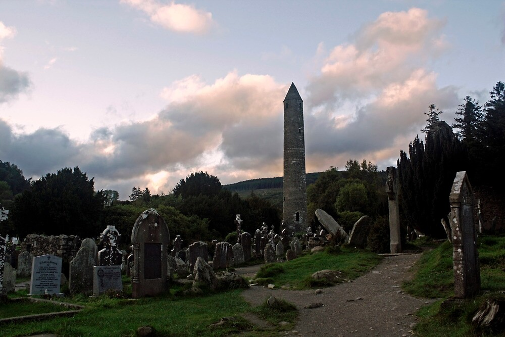 Glendalough by Esther  Moliné