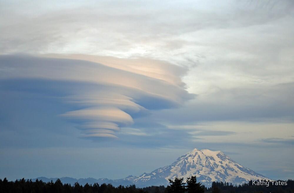 Fabulous Lenticular cloud and Mount Rainier by Kathy Yates
