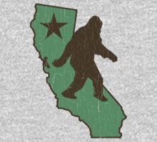 California Bigfoot (vintage distressed look) Kids Tee