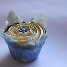 Cupcake by fourthangel