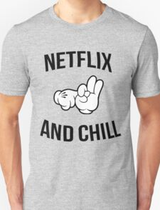 Netflix and chill - hands T-Shirt