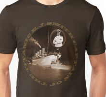 ☝ ☞ EJ SMITH CAPTAIN OF THE TITANIC & TITANIC -TEE SHRIT-Titanic leaving Belfast with two guiding tugs ☝ ☞ Unisex T-Shirt