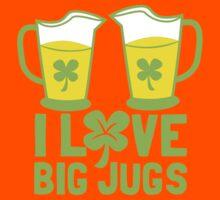 I love BIG JUGS green shamrocks St Patricks day beer jugs Kids Tee