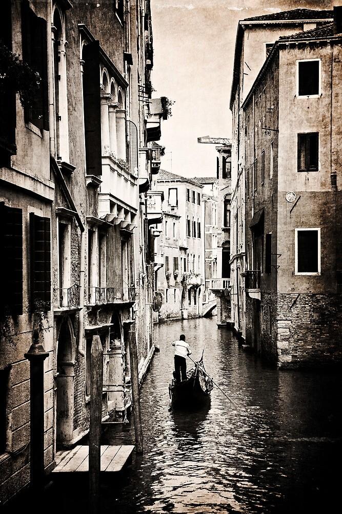 Lone Gondola by vividpeach
