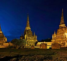 Magic Hour at Ayutthaya by donnnnnny