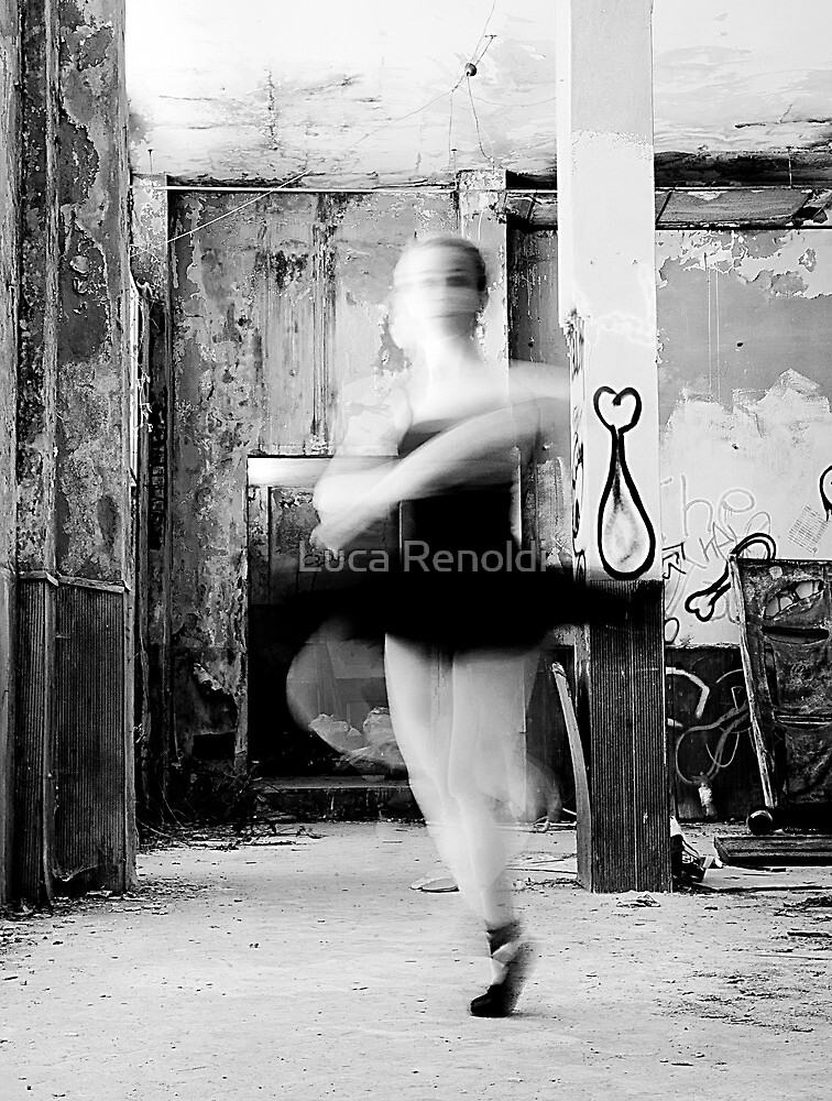 Turning by Luca Renoldi