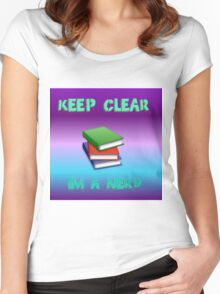 keep clear I'm a nerd Women's Fitted Scoop T-Shirt