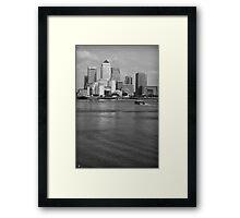 london canary wharf Framed Print