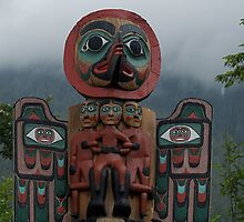 Totem pole Ketchican Alaska by creativegenious