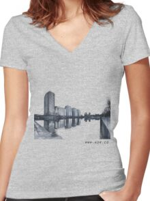 10 Women's Fitted V-Neck T-Shirt