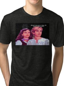 Guybrush and Elaine (final of Monkey Island 1) Tri-blend T-Shirt